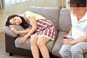 【香澄麗子】妻の母親の体に大興奮して濃厚ク〇ニで発情させてからのゲキピス!